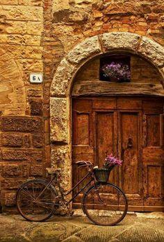 Ideas For Beautiful Door Italy Portal The Doors, Windows And Doors, Beautiful World, Beautiful Places, Under The Tuscan Sun, Unique Doors, Tuscany Italy, Positano Italy, Sorrento Italy