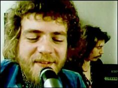 Stealers Wheel - Stuck In the Middle With You (1973) - This parody of Bob Dylan's style by Scots Gerry Rafferty and Joe Egan locks into an outstanding rhythm for gentle cruising! #pinmyencore #drivingmusic