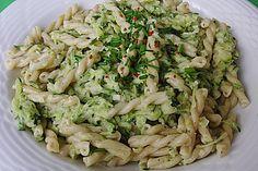 Nudeln mit Zucchini - Kräuter - Sauce (Rezept mit Bild) | Chefkoch.de
