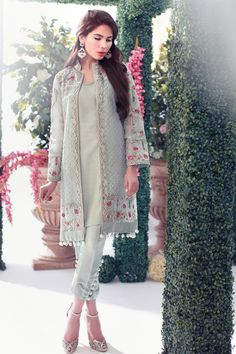 You might have seen our recent Best Dressed Wedding edition photo gallery peppered with Farida Hasan's enchanting new formal wear spotted at Lahore weddings in the wake of the label's r…
