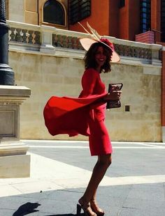 Mimoki invitada Wedding Guest Style, Wedding Looks, Wedding Styles, Nice Dresses, Dresses With Sleeves, Jackets For Women, Clothes For Women, Wedding Hats, Outfits With Hats