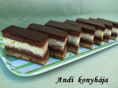Túrós zserbó - Andi konyhája - Sütemény és ételreceptek képekkel Hungarian Recipes, Hungarian Food, No Bake Desserts, Cake Cookies, Nutella, Tiramisu, Bakery, Cooking Recipes, Sweets