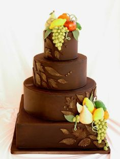 Never knew Chocolate Wedding cakes could be so elegant!