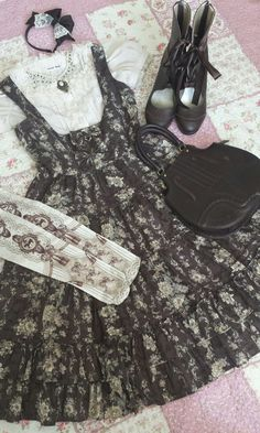 """soophje: """" My Rococo Styled Corset JSK from Innocent World Blouse, Bag and Headbow are IW as well. Tights are Angelic Pretty. """""""