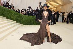 Allyson Felix, Jennifer Lopez Photos, Formal Wear, Formal Dresses, Regina King, Iris Van Herpen, Vogue Japan, Anna Wintour, Costume Institute