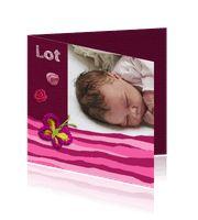 Geboortekaartje foto meisje met bloem - Creagaat:http://kaartjesparadijs.nl/winkel/geboortekaartje-foto-meisje-met-bloem-creagaat/