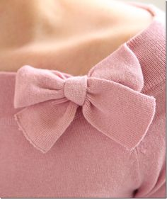 Close up on my favourite pink vintage appropriate sweater. #bow #pink #sweater #vintage #fashion #Chronically_Vintage