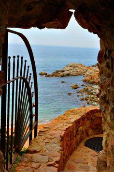 Tossa De Mar - Spain's Romantic Seaside Destination