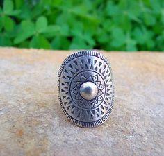 Sterling Silver ring. Silver Jewelry. Ethnic ring. Ethnic jewelry. Anillo de plata. Joyería de plata. Anillo étnico. Joyería étnica.