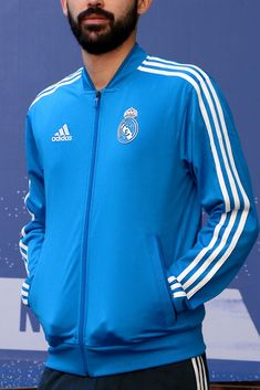 Conjunto de chándal Real Madrid 2018 2019 - azul celeste y negro  #adidas #realmadrid Adidas Jacket, Athletic, Jackets, Fashion, Real Madrid Goalkeeper, Blue, Black, Training, T Shirts