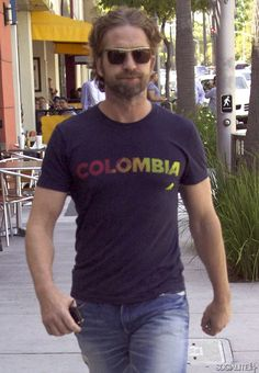 Gerard Butler heading out for lunch at #Celebrity #HotSpot Nate N' Al's in Beverly Hills on June 6, 2012.