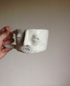 """Your face when someone asks you """"how do you feel? Ceramic Clay, Ceramic Pottery, Pottery Art, Diy Clay, Clay Crafts, Keramik Design, Kunst Tattoos, Clay Art Projects, Clay Creations"""