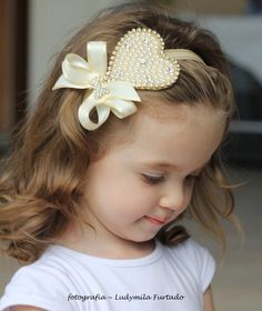 Faixa de cabelo coração de pérolas | Ateliê Coisas di Criança | Elo7