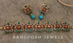 gold plated choker with earrings in semi precious stones. Jewelry Sets, Gold Jewelry, Fancy Jewellery, Gold Polish, Jewelry Organization, Indian Jewelry, Chokers, Brooch, Turquoise