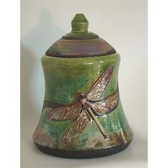Urn Garden is proud to offer a selection of ceramic, porcelain and clay pottery cremation urns, some of which are handmade in the USA by local artists. Pottery Tools, Raku Pottery, Slab Pottery, Porcelain Clay, Ceramic Clay, Cremation Urns, Cremation Jewelry, Burial Urns, Clay Jar