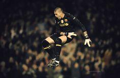 victor valdes I Go Crazy, Goalkeeper, I Am Game, Fc Barcelona, Athletes, Don't Forget, Photo Galleries, Soccer, Football