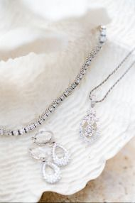 Gorgeous #wedding day jewelry