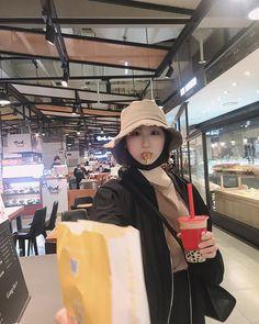 Photo album containing 6 pictures of Chaeyeon Yongin, Sakura Miyawaki, Japanese Girl Group, Kim Min, Pledis Entertainment, Extended Play, The Wiz, Fun To Be One, Best Memes