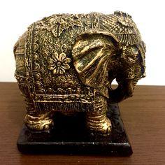 Elefante Indiano Dourado 10cm; Decoração - Elefantes - Estátua - Estatueta.