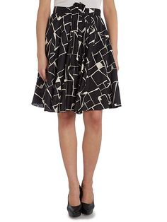 Tara Jarmon - Graphic printed A line skirt - One element that makes the outfit. Perfect with a white or black top.