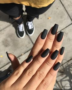 Nail art Christmas - the festive spirit on the nails. Over 70 creative ideas and tutorials - My Nails Black Acrylic Nails, Black Coffin Nails, Matte Black Nails, Black Nail Art, Best Acrylic Nails, Long Black Nails, Black Acrylics, Matte Nail Polish, White Nail