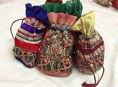 10 x drawstring pouches. Cute Owl, Cute Bunny, Diy Wedding Decorations, Wedding Favors, Drawing Bag, Candy Flowers, Packing Jewelry, Potli Bags, Desi Wedding
