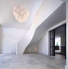 [New] The 10 All-Time Best Home Decor (Right Now) - Apartment by Jennie Cross - Love this curved staircase by one of my favourite designers Curved Staircase, Staircase Design, White Staircase, Interior Design And Construction, Rustic Industrial Decor, Homemade Home Decor, Best Interior Design, Hall Interior, Studio Apartment Decorating