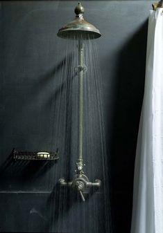 grey wall - shower - douche - badkamer