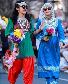 Afghan Dresses, Western Outfits, Iranian, Afghanistan, Traditional Outfits, Different Styles, Harajuku, Mini Skirts, Classy