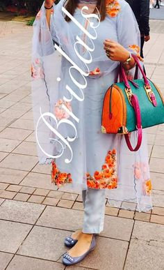 Beautiful design made by bridal boutique zirakpur Pakistani Suits, Indian Suits, Pakistani Dresses, Indian Dresses, Embroidery Suits Punjabi, Embroidery Dress, Pakistan Wedding, Look Short, Boutique Suits