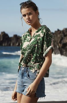 'Holly' Tropical Print Short Sleeve Shirt