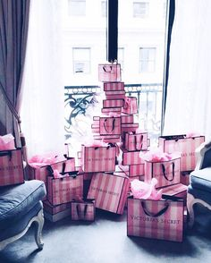 Victoria Secret uploaded by on We Heart It Victoria Secrets, Rosa Victoria Secret, Victoria Secret Bedroom, Victoria Secret Shops, Victoria Secret Wallpaper, Victoria Secret Lingerie, Birthday Goals, Rich Lifestyle, Luxury Lifestyle