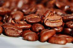 Ele também ficou conhecido na Europa como vinho árabe - Foto: Pixabay Tostadas, Mate Tee, Best Survival Food, Bourbon Recipes, Coffee Recipes, Arabica, Fresh Coffee Beans, Coffee Industry, Food Science