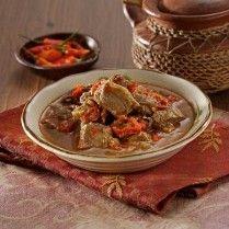 Olahan Daging Sulawesi Tenggara berkuah kental dan pedas.
