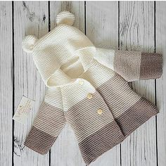 Baby Knitting Patterns Arm This Pin was discovered by eriThis post was discovered by İc - azcon - Pint PicFree Knitting Pattern Baby Cardigan with CablesDiscover thousands of images about Amelia Baby Knitting Patterns, Baby Cardigan Knitting Pattern, Knitting For Kids, Crochet For Kids, Baby Patterns, Knit Crochet, Cardigan Bebe, Crochet Baby Clothes, Crochet Baby Jacket