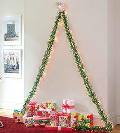 Práctico árbol para la navidad, cuando estas en los dormitorios de la universidad, o en tu propio apartamento de estudiante. :) Esta precioso se los recomiendo mucho.