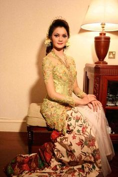 Green Lace Kebaya With Batik