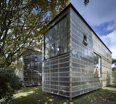 Česká komora architektů (ČKA) a vybraní experti nominovali nejlepší české realizace posledních dvou let do prestižní mezinárodní soutěže Mies van der Rohe Award 2017. Prohlédnout si je můžete v galerii.