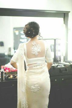 Bridal saree white blouse designs Ideas for 2019 Saree Blouse Neck Designs, Saree Blouse Patterns, Designer Blouse Patterns, Designer Saree Blouses, Netted Blouse Designs, White Saree Blouse, Indian Blouse, Indian Sarees, Lace Saree