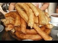 Delicious Churros Recipes Online is under construction Mexican Food Recipes, Sweet Recipes, Snack Recipes, Snacks, California Food, Spanish Dishes, Italy Food, Sweets Cake, Sweet Bread