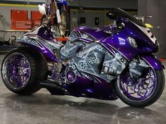 custom custom hayabusa, -now you're talkin, it's between a v-max and this beauty. Custom Street Bikes, Custom Sport Bikes, Custom Hayabusa, Custom Baggers, Carros Lamborghini, V Max, Zx 10r, Cool Motorcycles, Triumph Motorcycles