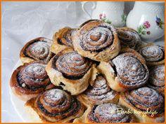 Barbi konyhája: Mami kakaós csigája Hungarian Desserts, Evo, Muffin, Cooking Recipes, Pudding, Cookies, Breakfast, Biscuits, Morning Coffee