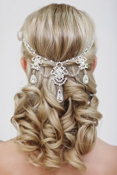 Lovely crystal Hair Jewelry. Drapes elegantly across your hair and will add the perfect Wauw effect for any occasion. Wear it like styled in the