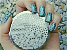 Gorgeous and stunning nails designed by Sanela. You can find the beautiful stamp template here. >>http://www.ladyqueen.com/circle-square-wave-nail-art-stamp-template-image-plate-hehe024.html.
