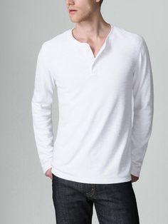 อยากได้เสื้อชิล ๆ ประมาณนี้จัง :)