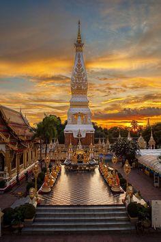 Wat Phra That Phanom, Thailand. #Thailand #Travel #thailandtravel