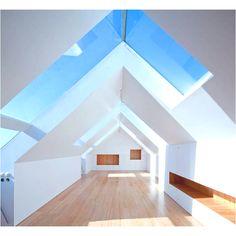 Fonte da Luz Housing - Oporto Residential Building - e-architect Architecture Résidentielle, Design Exterior, Loft Spaces, Open Spaces, Interior Design Inspiration, New Homes, Villa, House Design, Skylights
