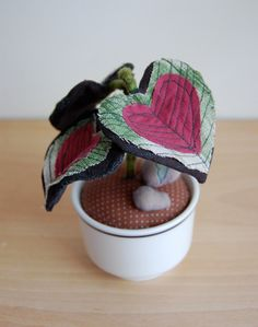 Love this idea! Fabric plants for those of us who work in places without natural light!