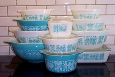 Antique pyrex that the ladies in my family are collecting. My pattern - Amish Butterprint!