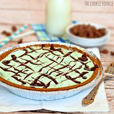Easy Mint Chip Ice Cream Pie. 2 INGREDIENTS!! - The Cookie Rookie